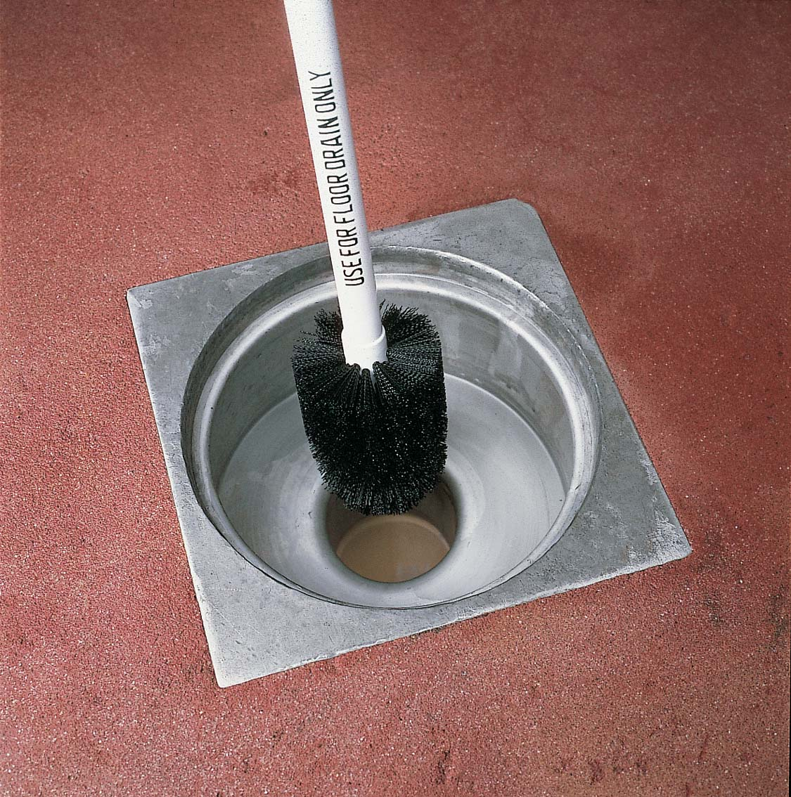 FLOOR DRAIN BRUSH HANDLE - 1000mm